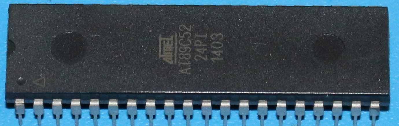 mcmaster:atmel:at89c52:pack_top.jpg