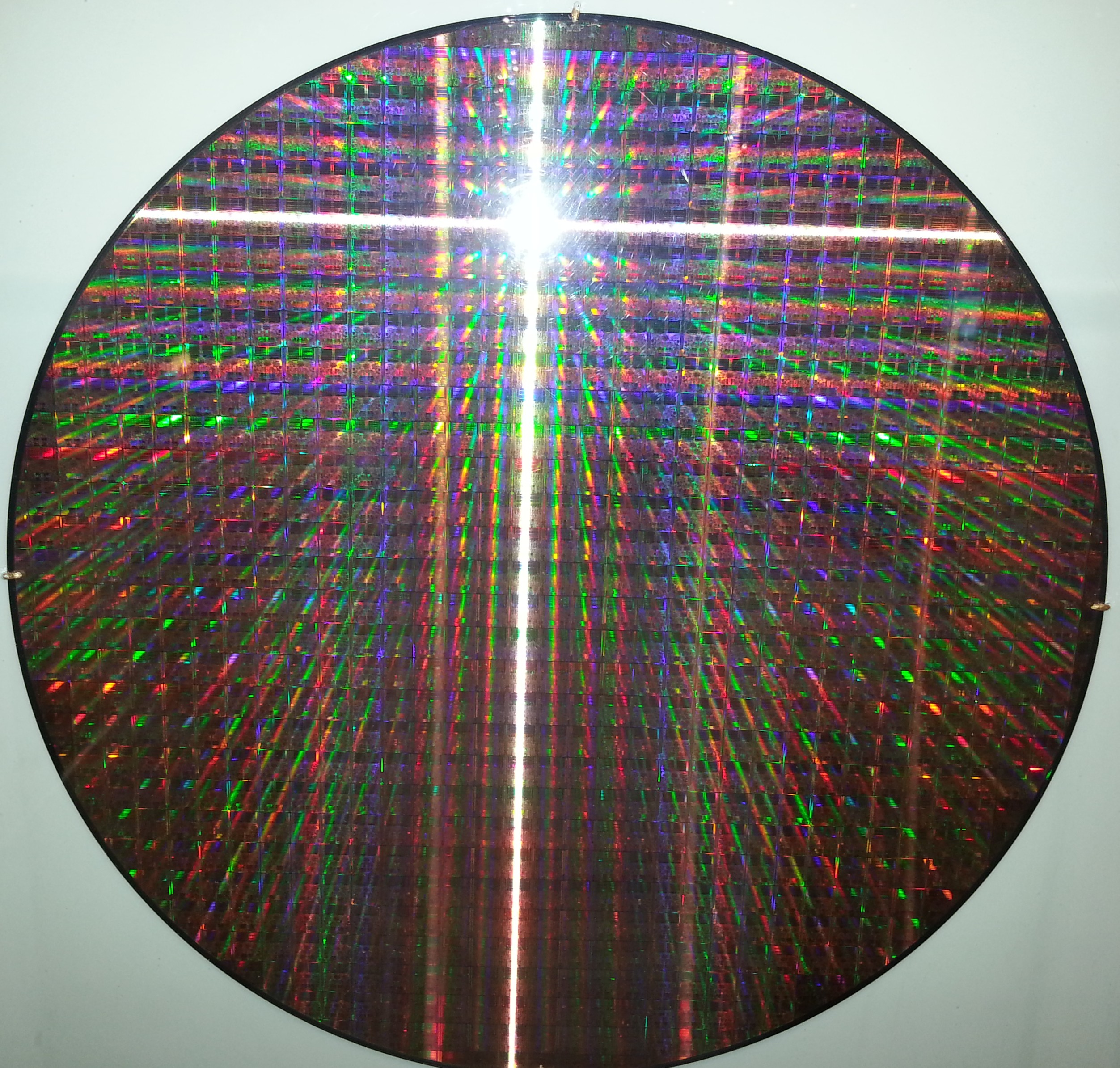 mcmaster:intel:museum:core_wafer.jpg